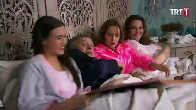 Zengin Kız Fakir Oğlan 3. Sezon 102. Bölüm 10. Parça