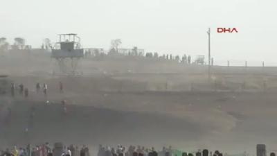 Derik'teki Gösterilerde Gaz Bombası Pencereyi Kırıp Evin İçine Düştü
