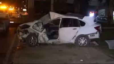 Aydınlatma Direğini Deviren Otomobil Takla Attı: 1 Ölü