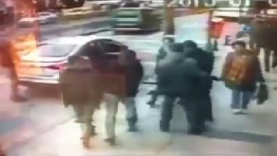 Kendilerine Polis Süsü Veren Gaspçılar Kamerada