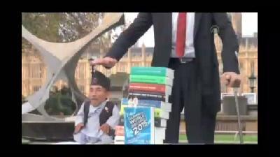 Dünyanın en uzun ve en kısa boylu adamları Londra'da