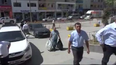 Hakkari'nin Tandırlarında Iraklılar İçin Ekmek Pişti