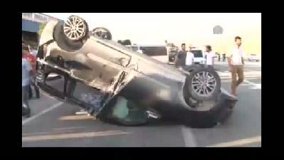 Polisten kaçan kamyonet takla attı: 2 yaralı - VAN