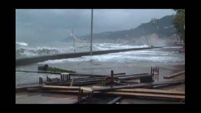 Yağmur ve kuvvetli rüzgar - RİZE