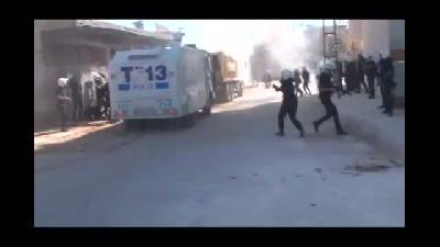 HDP Milletvekilinin kamyonla sınıra gitme girişimi polis müdahalesiyle son buldu - ŞANLIURFA