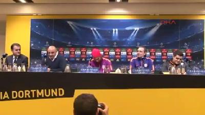 Galatasaray basın toplantısında komik anlar