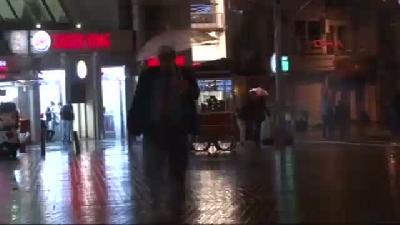 - İstanbul'da Yağmur Etkili Oluyor