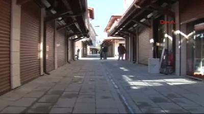 Konya'da Zabıtaya Kızan Esnaf Kepenk Kapattı