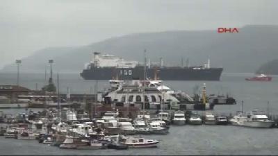 2- Doğalgaz Yüklü Tanker Çanakkale Önlerinde Arıza Yaptı