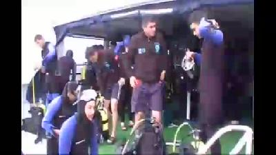 Suyun 18 metre altında Türk bayrağı  açtılar