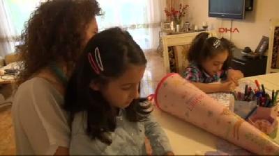 Almanya'da Çocukları Okula Yeni Başlayan Türk Aileler Heyecanlı
