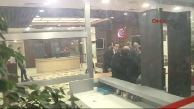 (görüntülü Haber) İşçiler Chp İstanbul İl Binası'nı İşgal Etti