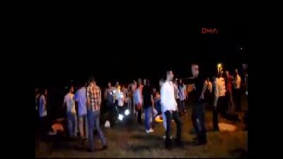 Sakarya'da İşçi Servisi Otomobille Çarpıştı: 24 Yaralı
