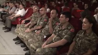 Türk Askeri Kosova'da Toplu Sünnet Töreni Düzenledi