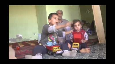 IŞİD saldırılarından kaçan aileye sahip çıktılar - HAKKARİ
