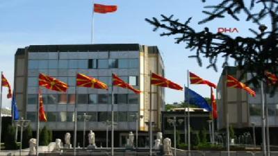 Makedonya Başbakanlık Binasına Ateş Açıldı