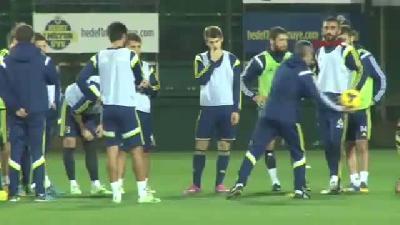 Fenerbahçe'de Emre Takımla Birlikte Çalıştı