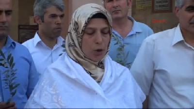Mazlum- Der Üyelerinden Zeytin Dalı İle Barış Çağrısı
