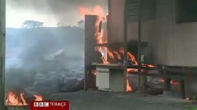 Kilauea'nın lavları ilk evi 45 dakika içinde yaktı