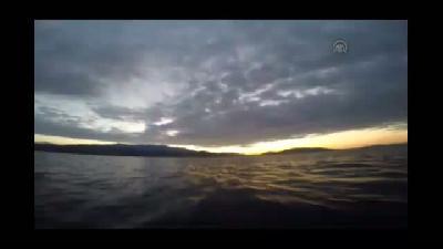 Ege Denizi'nde kaçak geçişler - Sahil Güvenlik Komutanlığı ekipleri, son 4 günde 90 kaçağı kurt