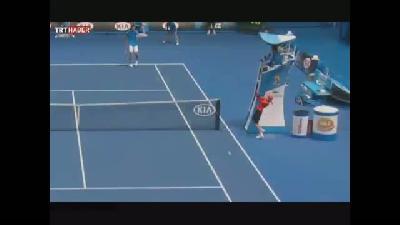 Tenis maçında komik kaza
