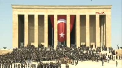 2- Anıtkabir'de 6 Bin Kişiyle En Büyük Atatürk Portresi