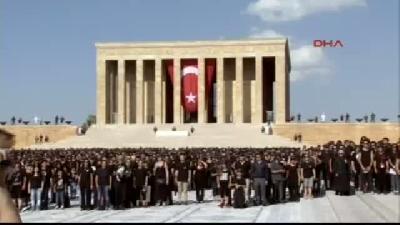 3- Anıtkabir'de 6 Bin Kişiyle En Büyük Atatürk Portresi