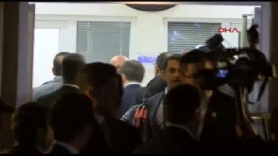 Davutoğlu'nun Gül'e Bayram Ziyareti 45 Dakika Sürdü