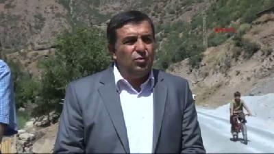 Hakkari İl Genel Meclis Başkanı, Sürüsüne Kurt Saldıran Köylüleri Ziyaret Etti