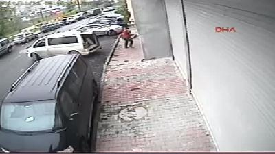 Hırsızlık 15 Dakika Sürdü, Kimse Farketmedi