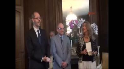 2- Leyla Gencer'i Anlatan Kitabın Yazarı Zeynep Oral'a Paris Opera Ve Sanatçılar Akademisi'nden Ödül