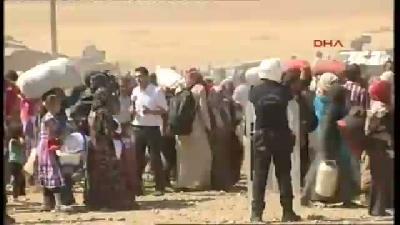 Işid Saldırısından Kaçan Suriyeliler Türkiye Sınırına Yığılmaya Başladı (9)