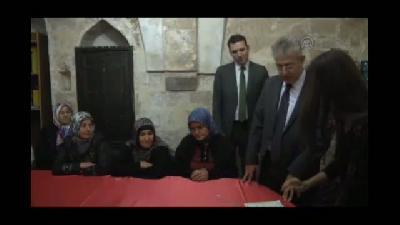 Mardin'de okuma yazma öğrenen kadınlara sertifika verildi