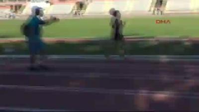 Yarışı Bırakmayan Rus Kadın Atlet Baygınlık Geçirdi