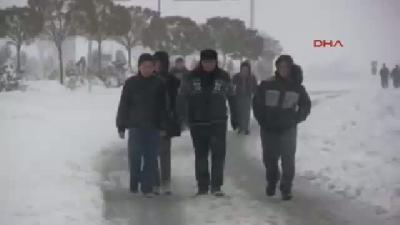 2- Konya'da Kar Hayatı Felç Etti