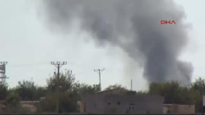 2// Hava Saldırısı Yapılan Kobani'de Çatışmalar Sürüyor