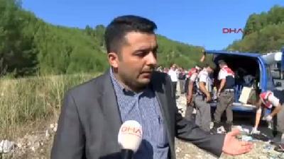 Afyonkarahisar'daki Berberleri Taşıyan Tur Otobüsü Devrildi: 13 Ölü, 28 Yaralı (6)