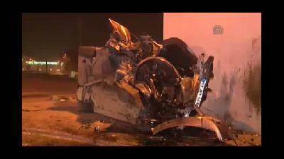Otomobil köprü ayağına çarptı: 1 ölü, 3 yaralı - KONYA