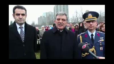 Abdullah Gül, Şehit Diplomatlar Anıtı'nı ziyaret etti -  OTTAWA