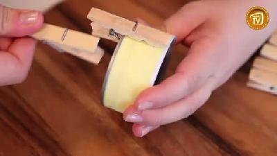 Konserve kutusu ve mandalla saksı
