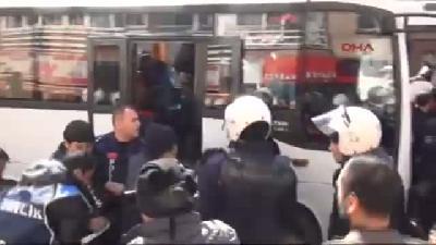 (görüntülü Haber) 3- Turkish Police Use Tear Gas To Prevent March For Gezi Victim Near Presidential
