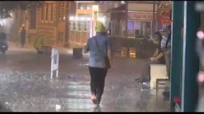 İstanbul'da Sağanak Yağmur Etkili Oluyor (2)
