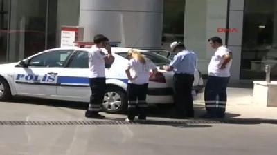 Benzin Pompasına Yönelen Ambulansı Bariyer Durdurdu