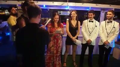 İstanbul boğazında eşcinsel düğünü