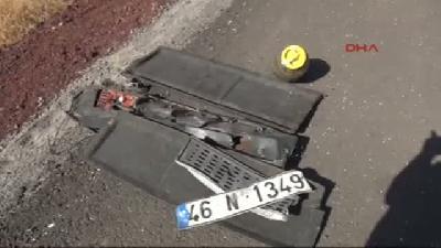Polis Ve Oğlu Kazada Öldü, Eşi Yaralandı