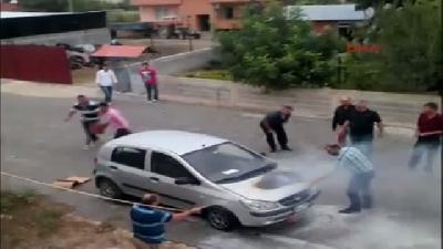 Seyir Halinde Alev Alan Otomobil Vatandaşı Korkuttu
