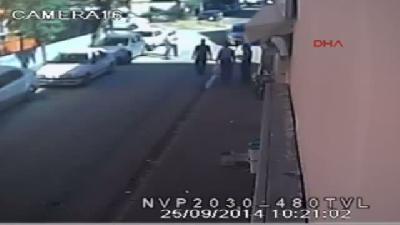 Gazeteciye Sopalı Saldırı Güvenlik Kamerasında