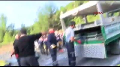 Afyonlu Berberlerin Tur Otobüsü Devrildi: 13 Ölü, 33 Yaralı (8)