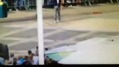 Canavar Kamyon Seyircilerin Arasına Daldı, 3 Ölü, 15 Yaralı