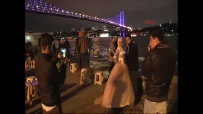 Boğaziçi Köprüsü mor renkle ışıklandırıldı